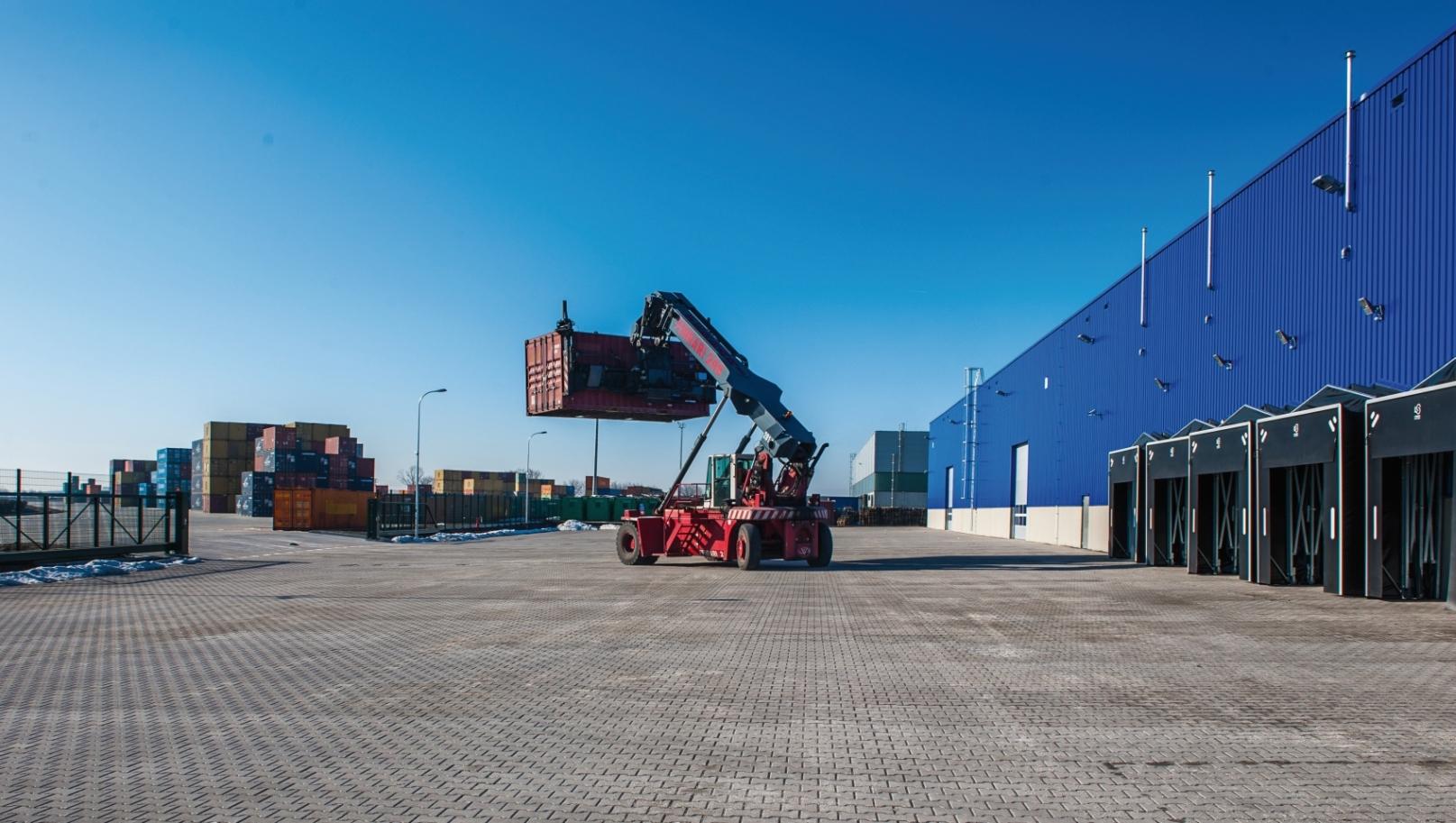 Mehr Lagerkapazität mit Metrans-Anbindung bei cargo-partner