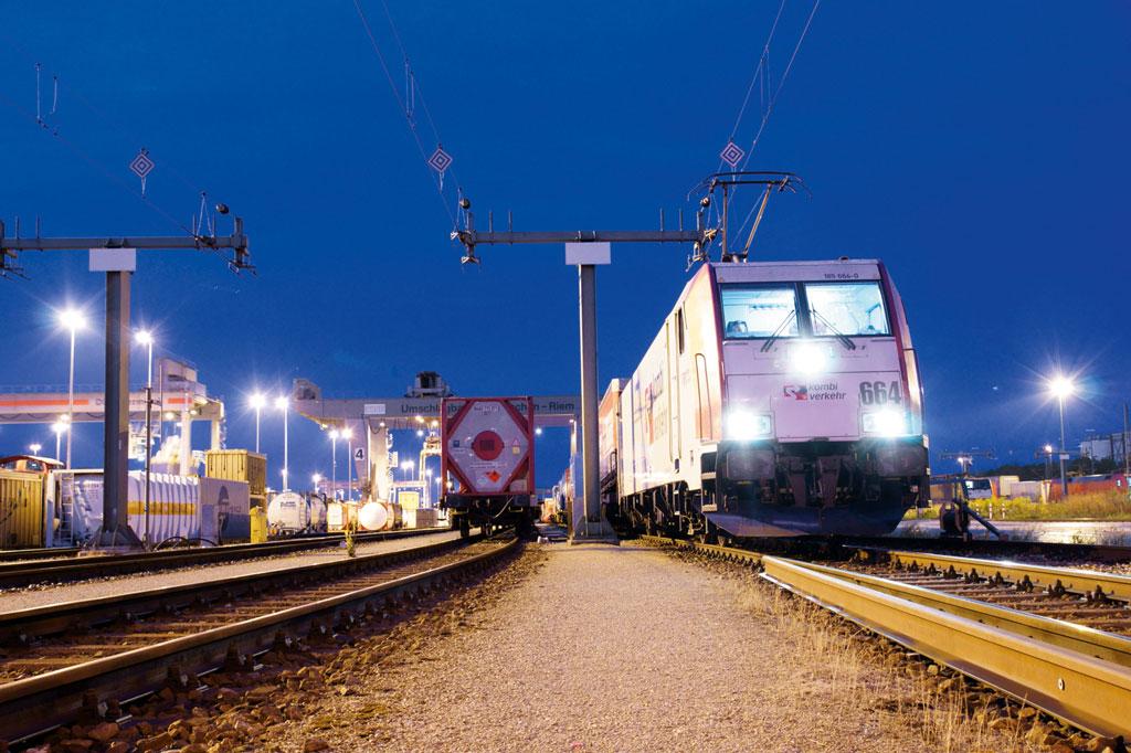 Leistungsdefizite der Bahnen kosten Kombiverkehr Aufkommen