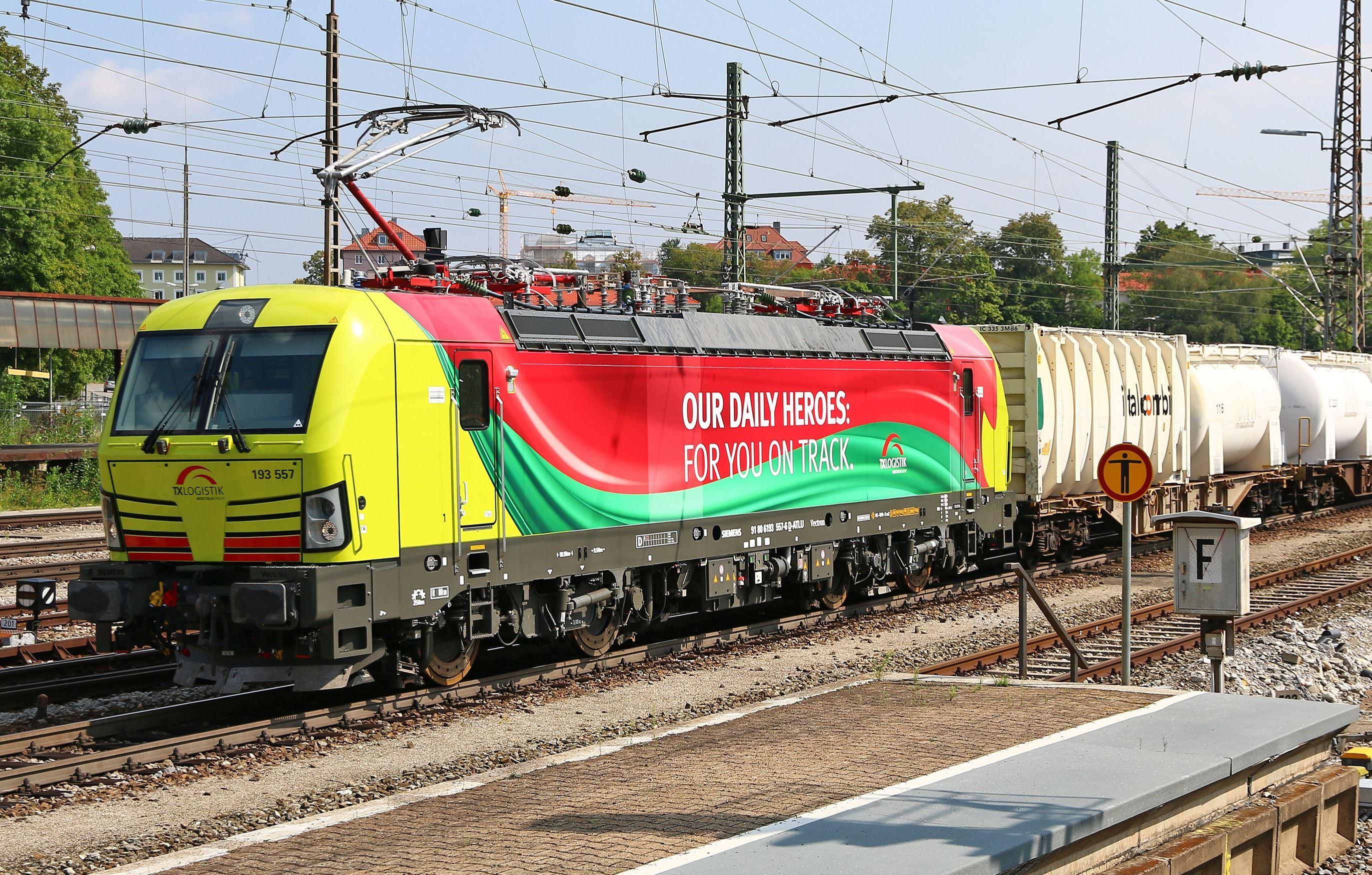 Neue Multisystemlokomotiven bei TX Logistik