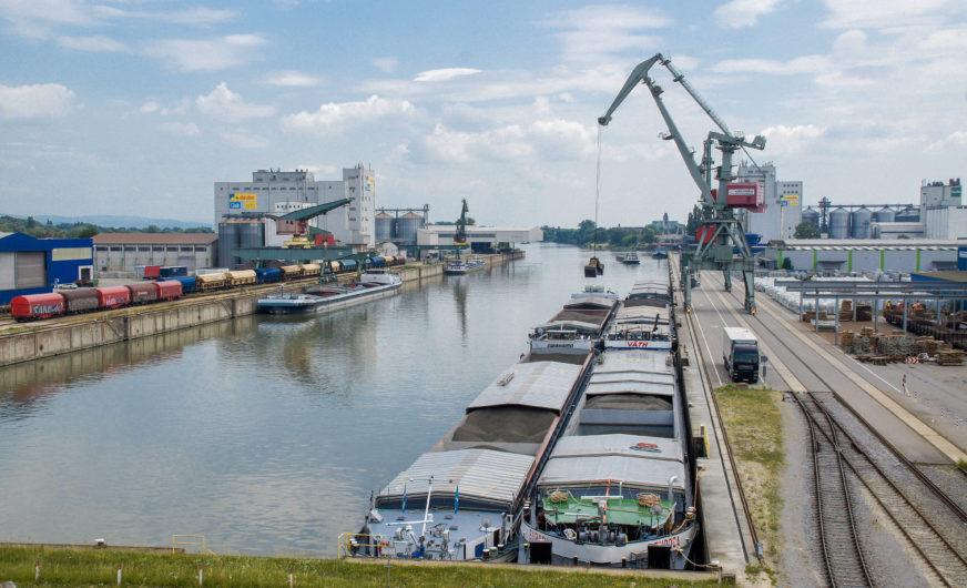 Bayernhafen: 8,8 Mio. Tonnen Güterumschlag im Jahr 2018