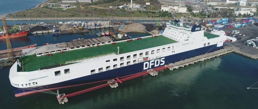 DFDS stellt bislang größte Frachtfähre in Dienst