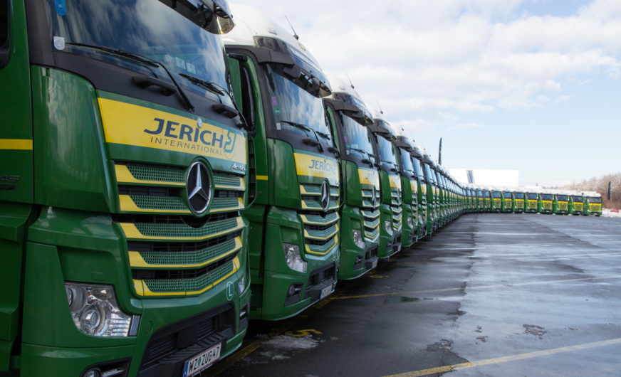 40 neue Actros-Trucks für den Logistikdienstleister Jerich International