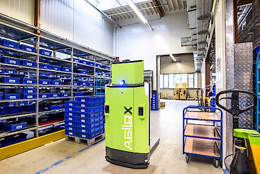 Intralogistik-Start-up Agilox gewinnt Raiffeisen OÖ als Partner und Investor