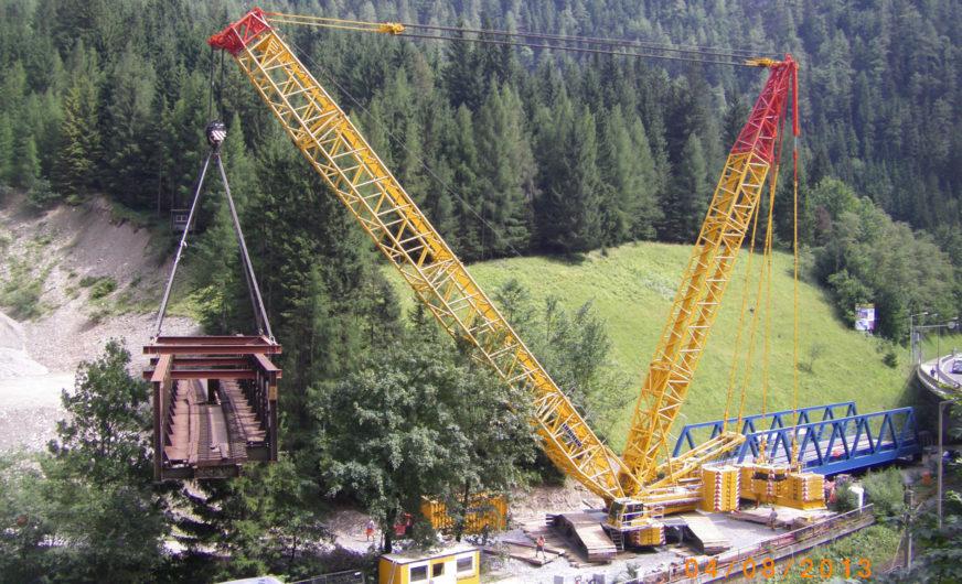 750-Tonnen-Raupenkran im Einsatz für die Gailtalbahn