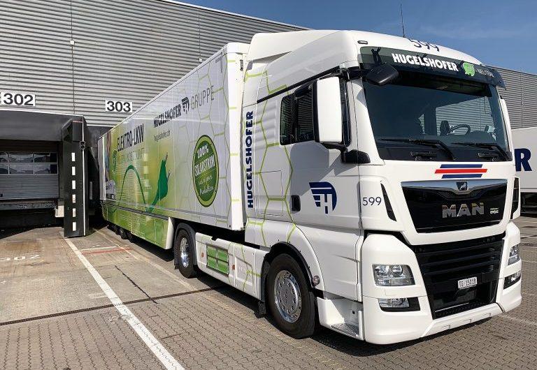 Erster rein elektrischer 40-Tonnen-Lkw der Schweiz fährt für die Post