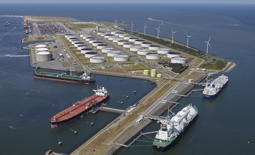 "Port of Rotterdam invests in ""greener"" fuel"