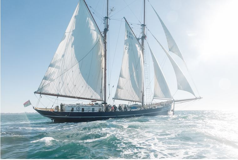 Lush segelt von Portugal nach England