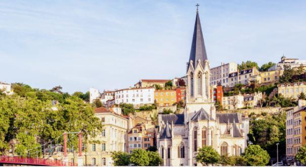 AsstrA eröffnete erste Niederlassung in Frankreich