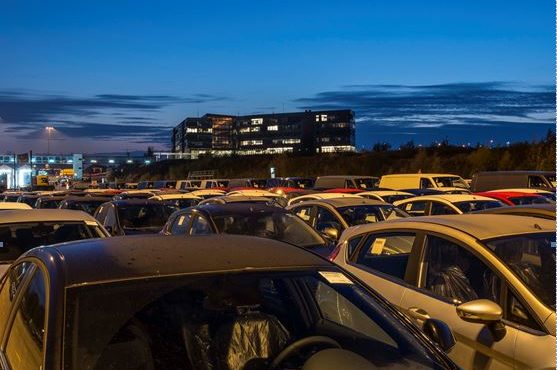 Hafen Lübeck übernimmt Neufahrzeug-Umschlag für Russland