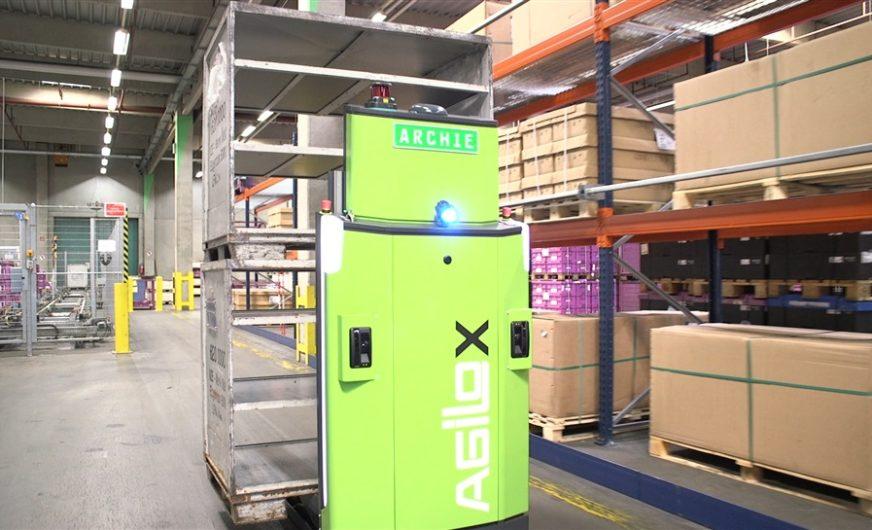 DB Schenker's first driverless Agiloxforklift