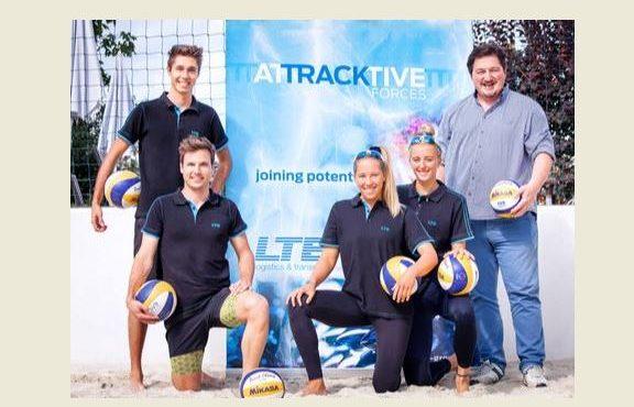 Top-Sportlerinnen mit Hauptsponsor LTE-group auf Schiene