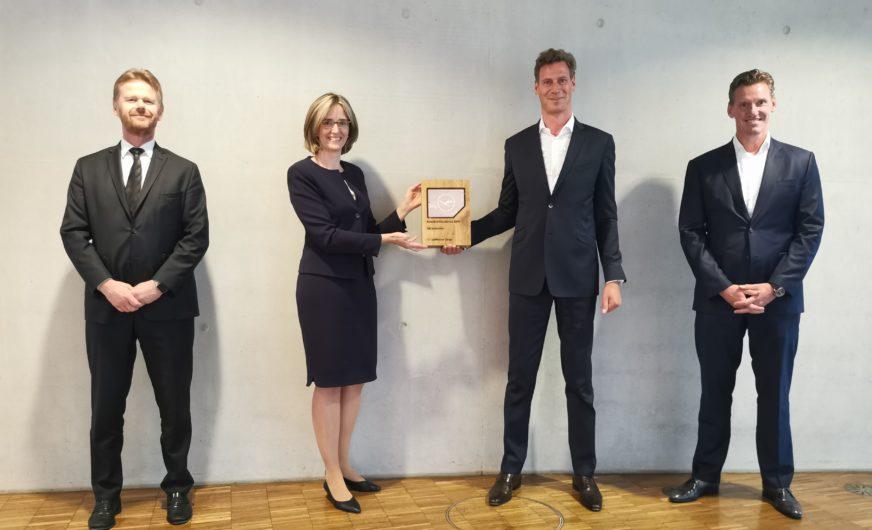 Lufthansa Cargo würdigt  Zusammenarbeit mit DB Schenker