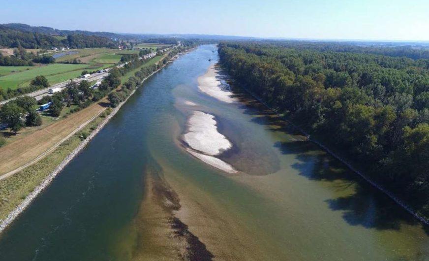 Wieder extremes Niedrigwasser auf der bayerischen Donau