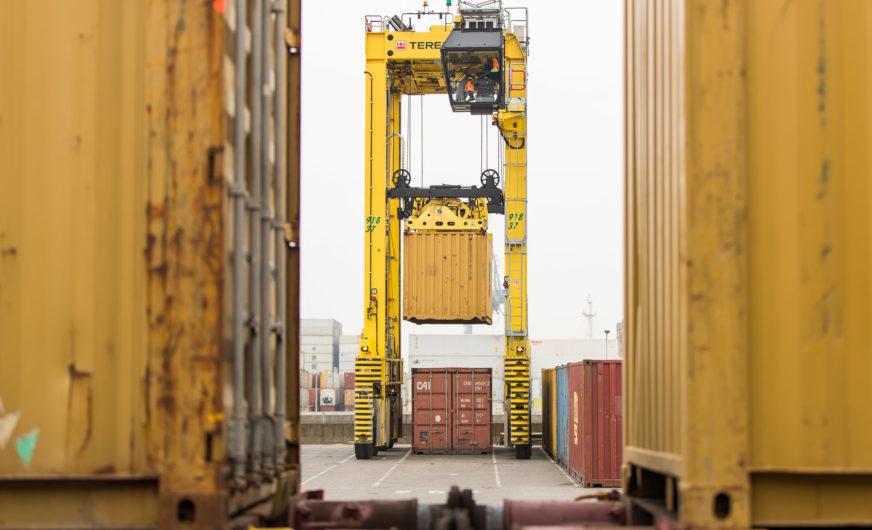 Lineas plant Lkw-Schienen-Hub im Großraum Antwerpen