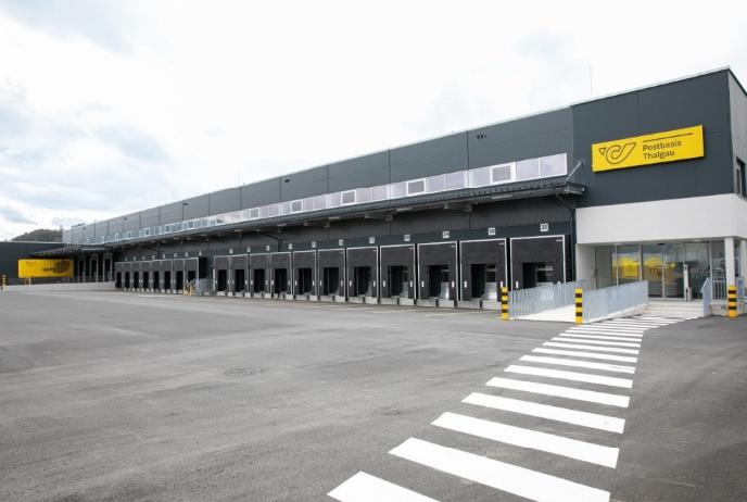 Erste Postbasis mit vollautomatischen Sortiermaschinen eröffnet