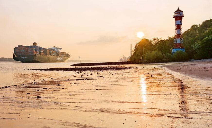 Reederei Hapag-Lloyd investiert 1 Mrd. USD in sechs Großcontainerschiffe