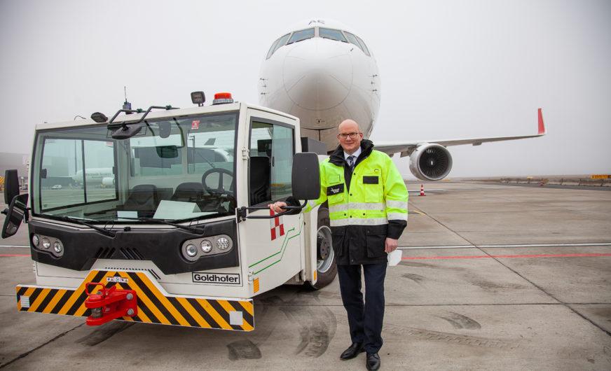 Erster vollelektrischer Flugzeugschlepper am Vienna International Airport