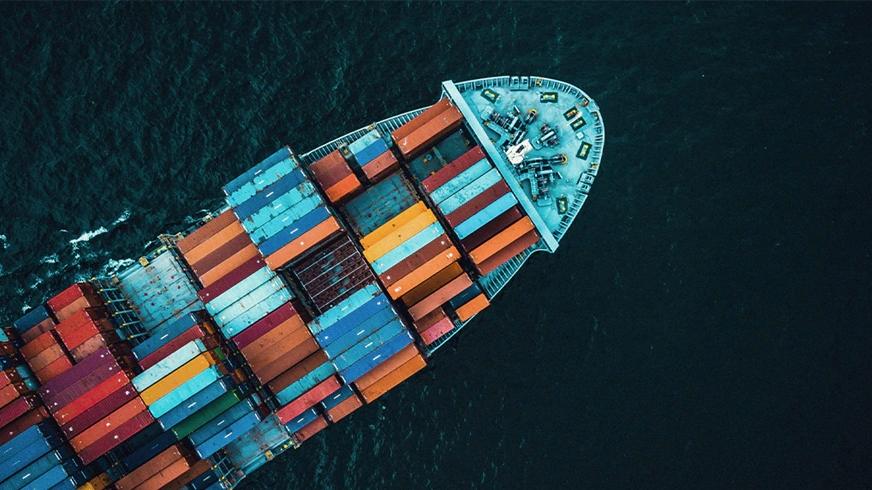 Maersk betreibt ab 2023 weltweit erstes CO2-neutrales Containerschiff