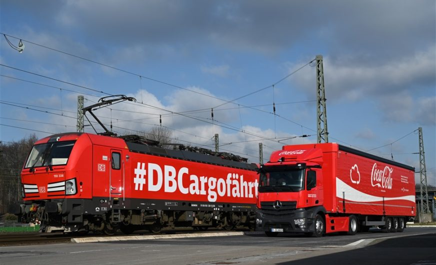 Cool fürs Klima: DB Cargo holt Coca-Cola auf die Schiene