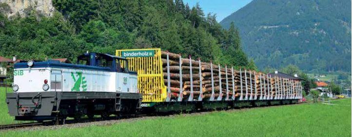 Holztransporte der Zillertalbahn florieren